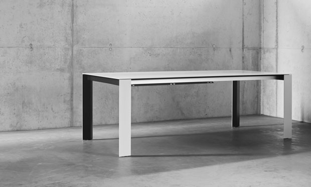 Essen leicher wohnen interl bke b b italia for Tisch design award